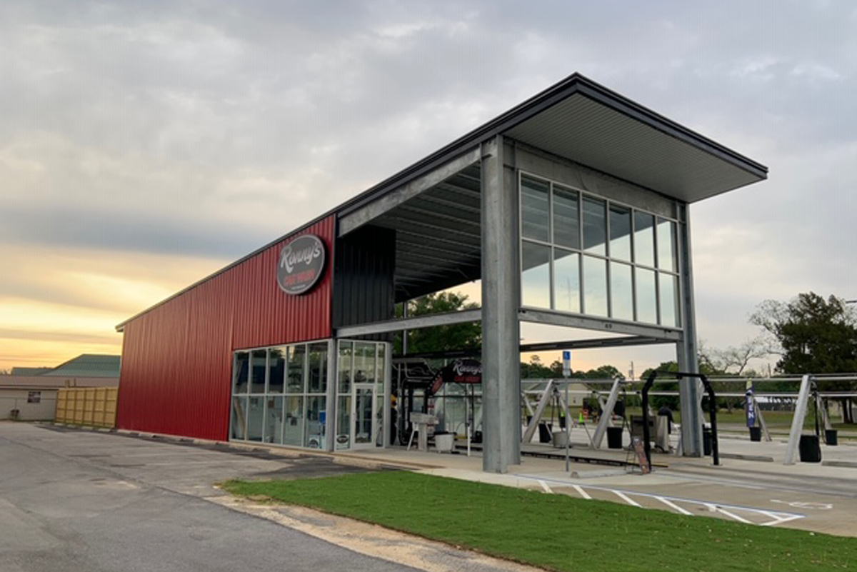 The blend of glass and metal make for a unique 3,000-square-foot car wash in Ft. Walton Beach, Florida.